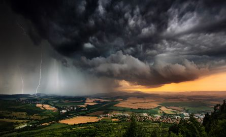Beautifully structured thunderstorm in Bulgarian Plains